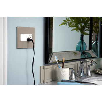 Adorne ARPS152 Energy-Saving On/Off Outlet - 15 Amps