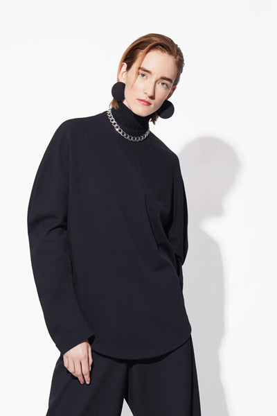 BLACK CIRCLE SWEATER