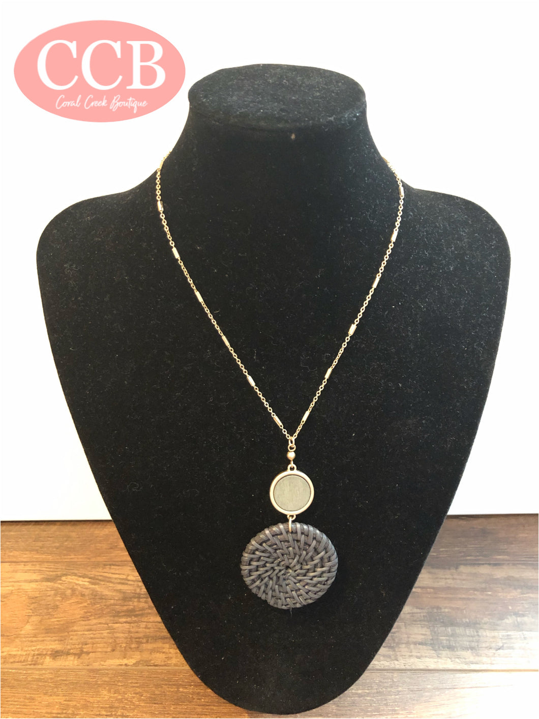Necklace w/ Earrings – Round Gray