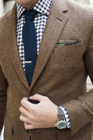 Analogous Color Scheme for Necktie and Pocket Square