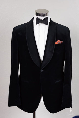 How to Wear a Tuxedo at a Black Tie Event