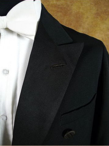 How to Wear a Tuxedo Grosgrain Lapel