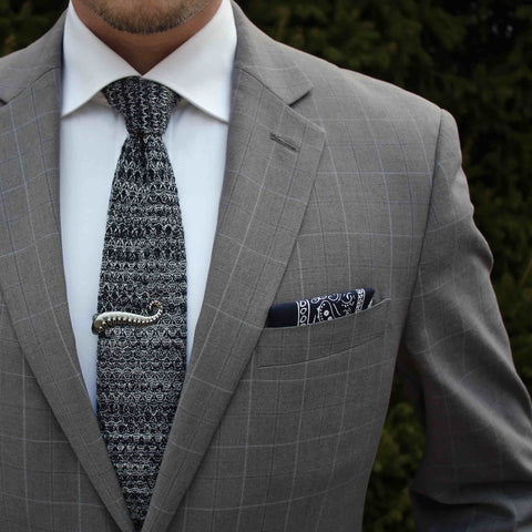 a70953925a8c Silk Grey Knit Tie & Black Linen Pocket Square