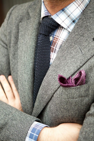 Tweed Jacket with a Knitted Tie