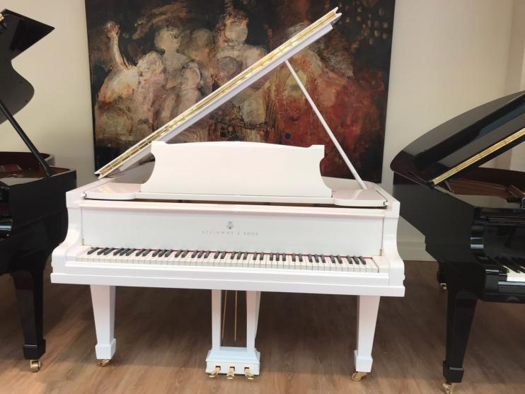 Steinway & Sons O-180 Wit 4