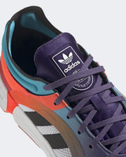 Bringing the retro colourways to a comfortable and athletic sneaker, the Adidas Originals Sonkei in Dark purple is a perfect weekender, adding flair to your basic outfits. Made to stand out, these shoes are constructed from vibrant colours and feature a closed mesh upper, incredible cushioning and a rubber outsole. Complete with all the performance hits you want in a sneaker - these are a must cop.