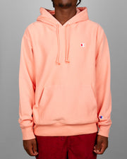 Bring a vibrant pop of colour into your streetwear wardrobe with the Champion Reverse Weave Terry Hoodie in Kings Peach. Constructed from the brand's famous reverse weave technology, this peach hoodie is branded with simple logo detailing on the chest and sleeve as well as comfortable ribbed trims and a large hood.