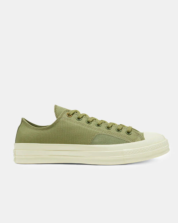 Chuck Taylor All Star '70 Clean N Preme Low in Sage. This a wardrobe staple and will suit whatever occasion. Whether is a night out on the town or a work meeting, the timeless look of Converse 1970's has to covered.
