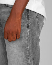 The latest style from the Australian label, Ksubi features the Bullet in Sessions colourway. Renowned for their denim, this pair boasts a newfound style with a worn-in, vintage grey colourway on relaxed fitting, skate jean. Featuring a 5 pocket set up as well as embroidered branding, the jeans will have you ready for the weekend in no time.