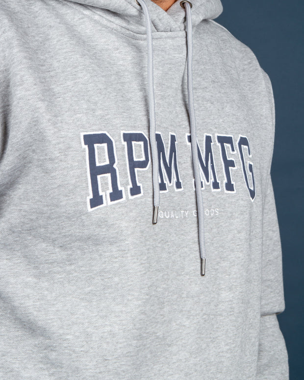The RPM Yale Hood in Light Grey Marle features a varsity-style RPM logo embroidered to the centre front. Cut from a cotton blend, this hoodie is simple and an easy staple in anyone's wardrobe. Signed off with ribbed trims, a woven label at the side seam and a comfortable drawstring hood.