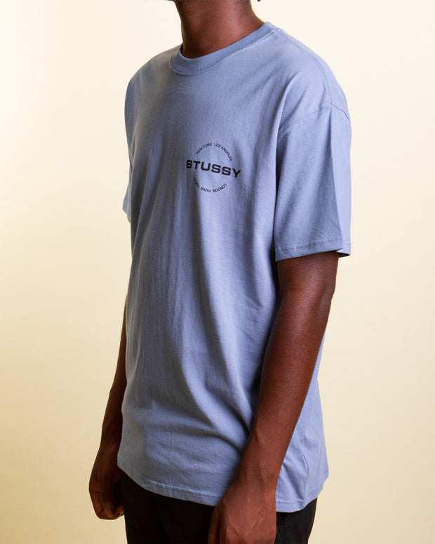 Stussy brings chilled, minimal style with the City Circle Tee in Solid Dusty Blue. Constructed from pure cotton, this t-shirt comes in a rich blue tone and features a Stussy graphic printed in black on the front and back, signed off with premium trims and a comfortable ribbed neckline.