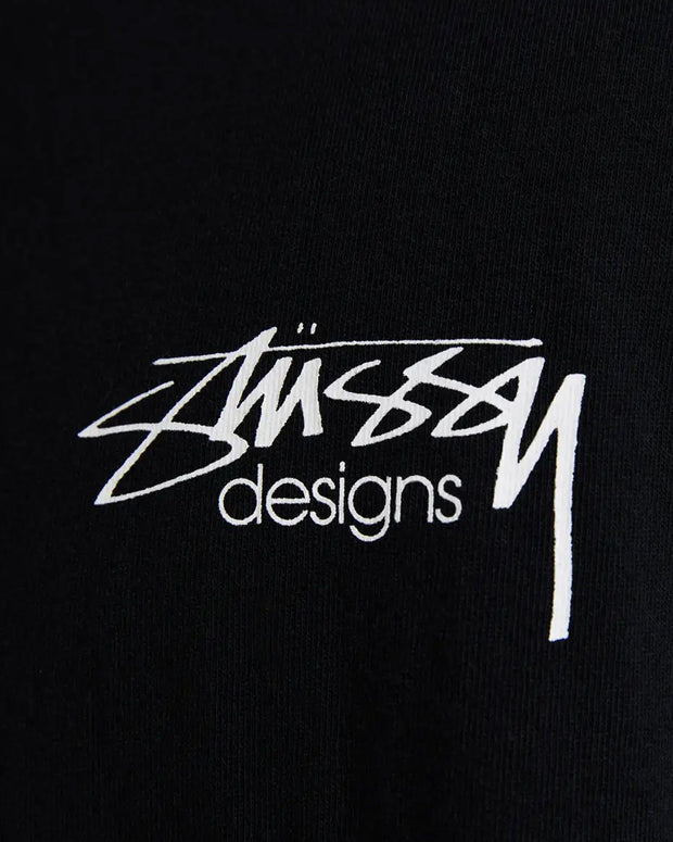 The Stussy Designs Tee comes in a solid black colourway, a simple and clean staple in any wardrobe. This black short-sleeve features the Stussy Designs logo printed in white on the front and is signed off with comfortable premium trims and a ribbed neckline.