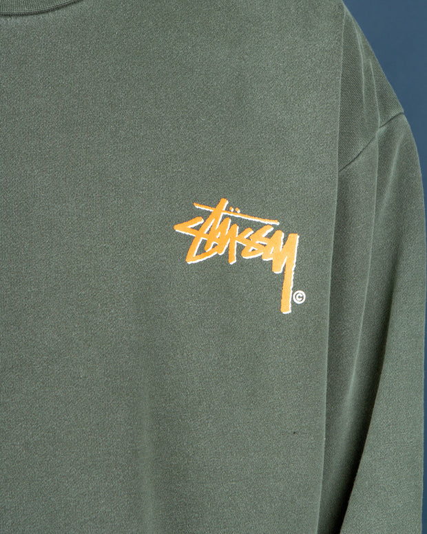 No one does fleece better than Stussy and Fallen Front has some fresh styles in. The Stussy Stock Shadow Crew gives off vintage vibes with the Pigment Flight Green colourway paired with an oversized and boxy fit. Coming with the signature Stussy logo on the chest, this crewneck is made from pure cotton with 50% being recycled. Sure to keep you warm and cosy all year round, this sweater is signed off with a ribbed neckline, hem and cuffs.