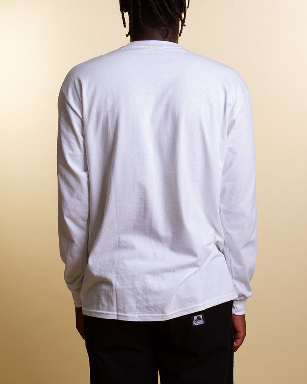 The Quiet Life brings out the cologne with the Paris Longsleeve t-shirt in white. Opting for simple branding at the chest, this white long sleeve is constructed from pure cotton and features a rib-knit collar, ribbed trims and is finished with a super-comfy feel.