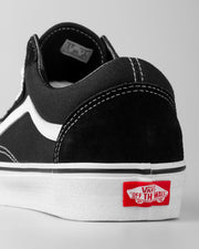 The most popular shoe in the footwear circle. The Vans Old Skool in black has been an all-time great, popularised many years ago, the Old Skool is crafted to be worn daily and will last you a very long time. Constructed from a premium canvas upper and featuring the iconic waffle outsole, this shoe is has everything you need. Take it to the city and look the part.