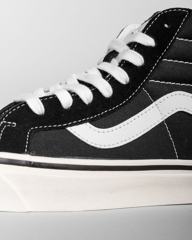Vans - SK8 HI 38 DX Anaheim Factory - Black / True White
