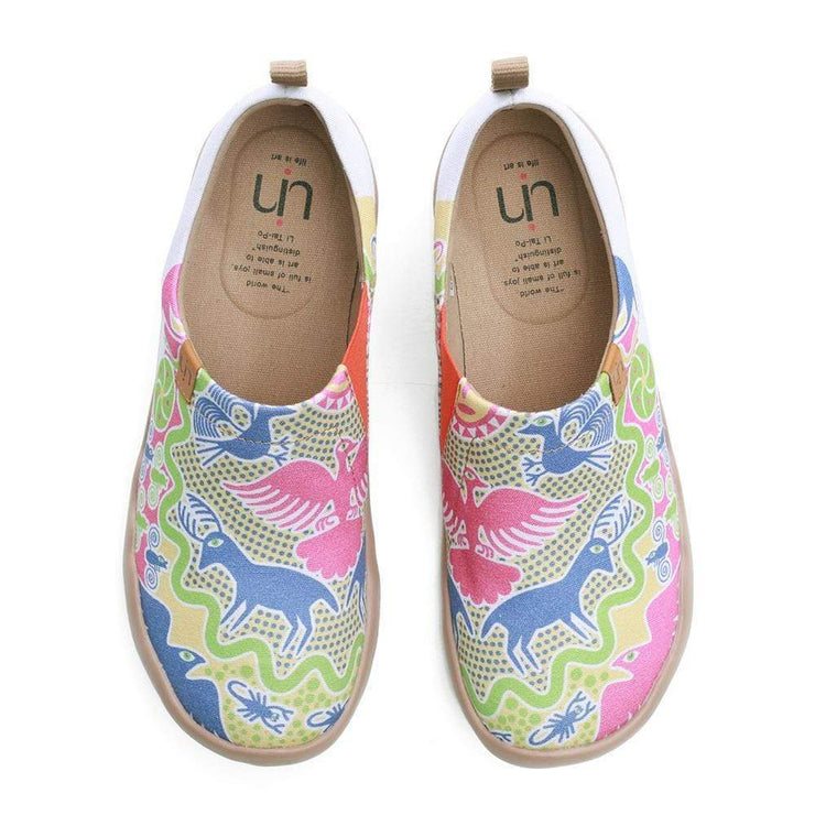 UIN Footwear Women Oriental Fairyland Lady Painted Loafers Canvas loafers