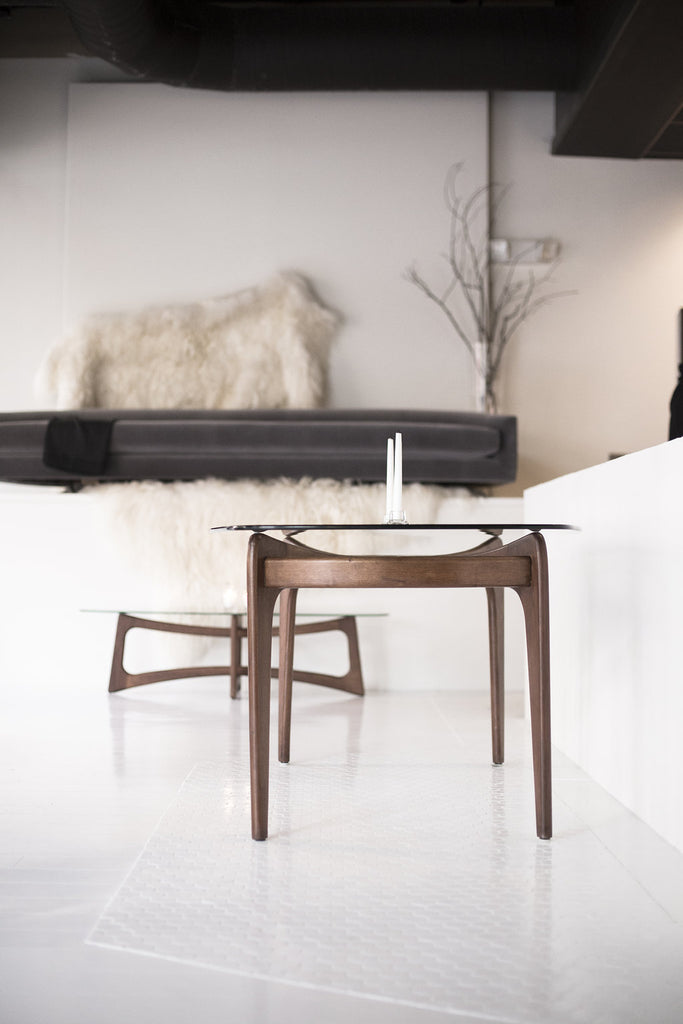 craft-associates-modern-dining-table-in-our-first-store-05