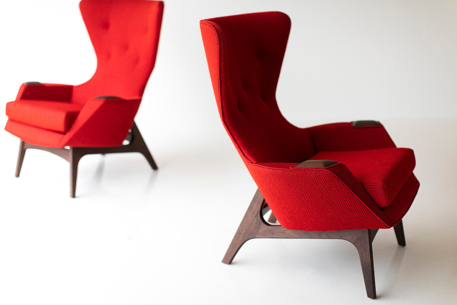 0T3A8904-Red-Wing-Chairs-02