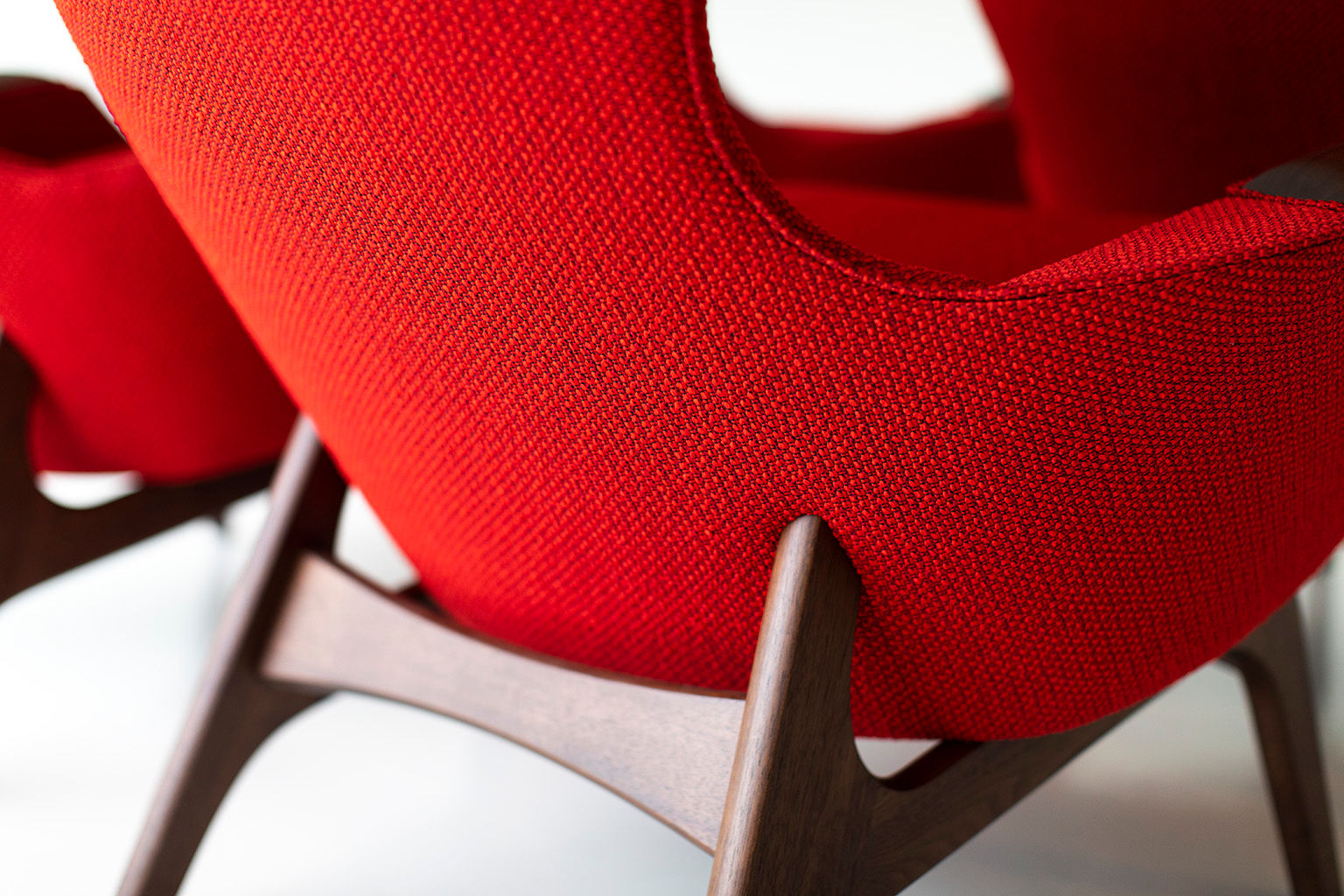 0T3A8948-Red-Wing-Chairs-04