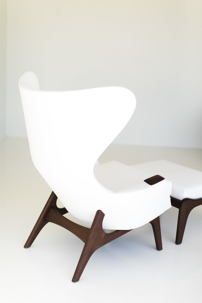 I07A8875-white-chair-and-ottoman-02