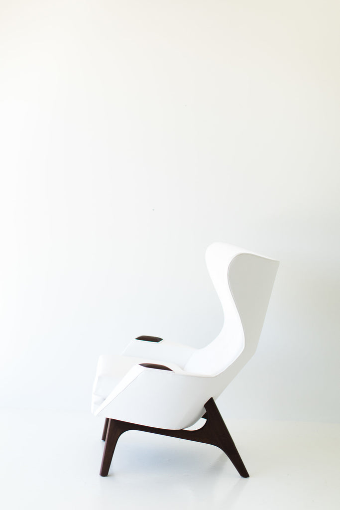 I07A8882-white-chair-and-ottoman-04