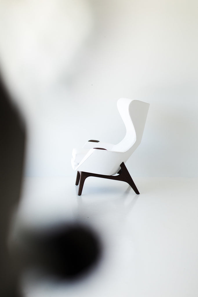 I07A8886-white-chair-and-ottoman-05