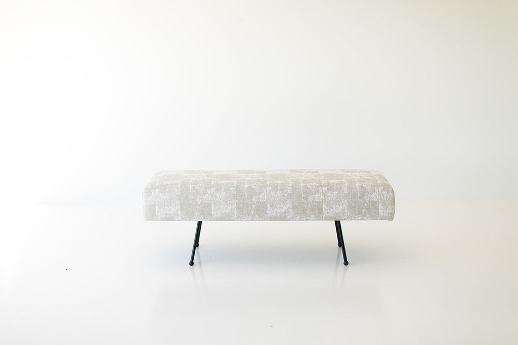 I07A8889-upholstered-bench-1710-02