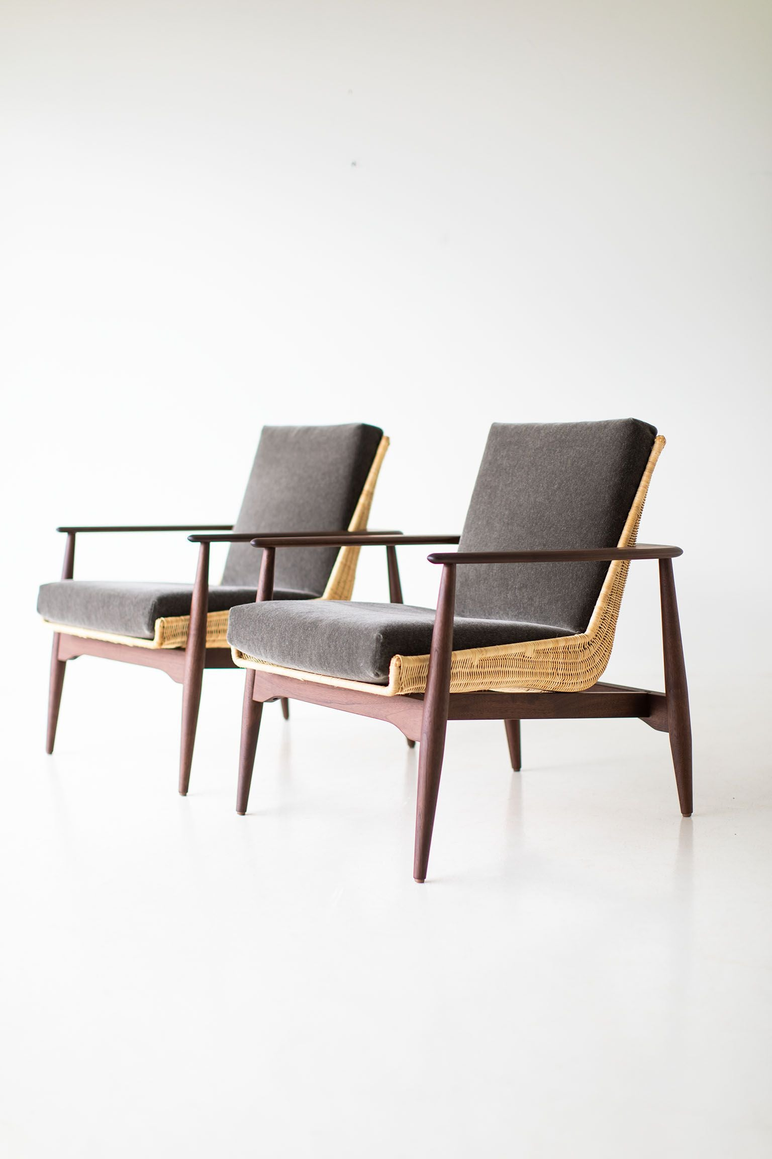 Lawrence-Peabody-Wicker-Lounge-Chairs-07