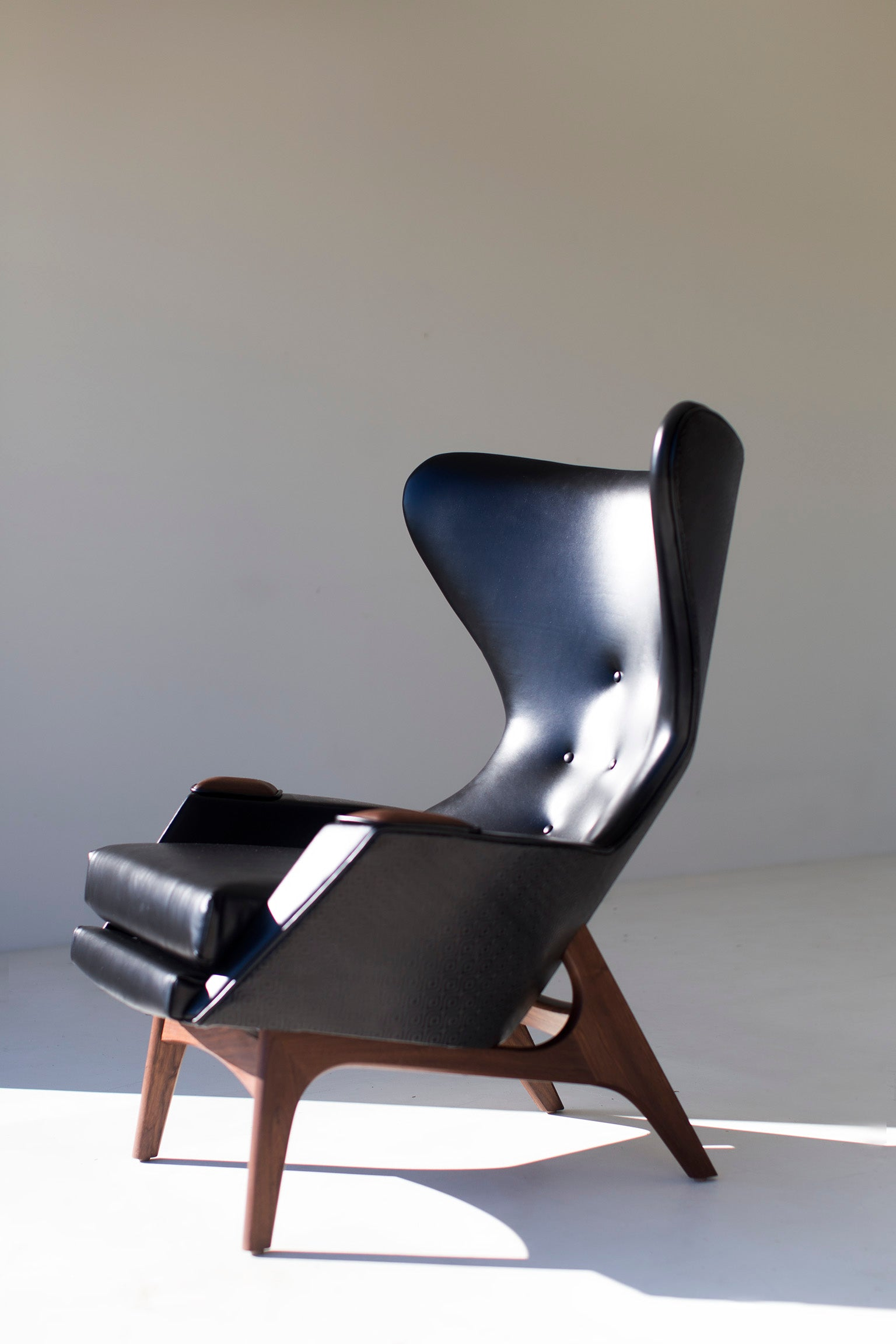 leather-wing-chair-01