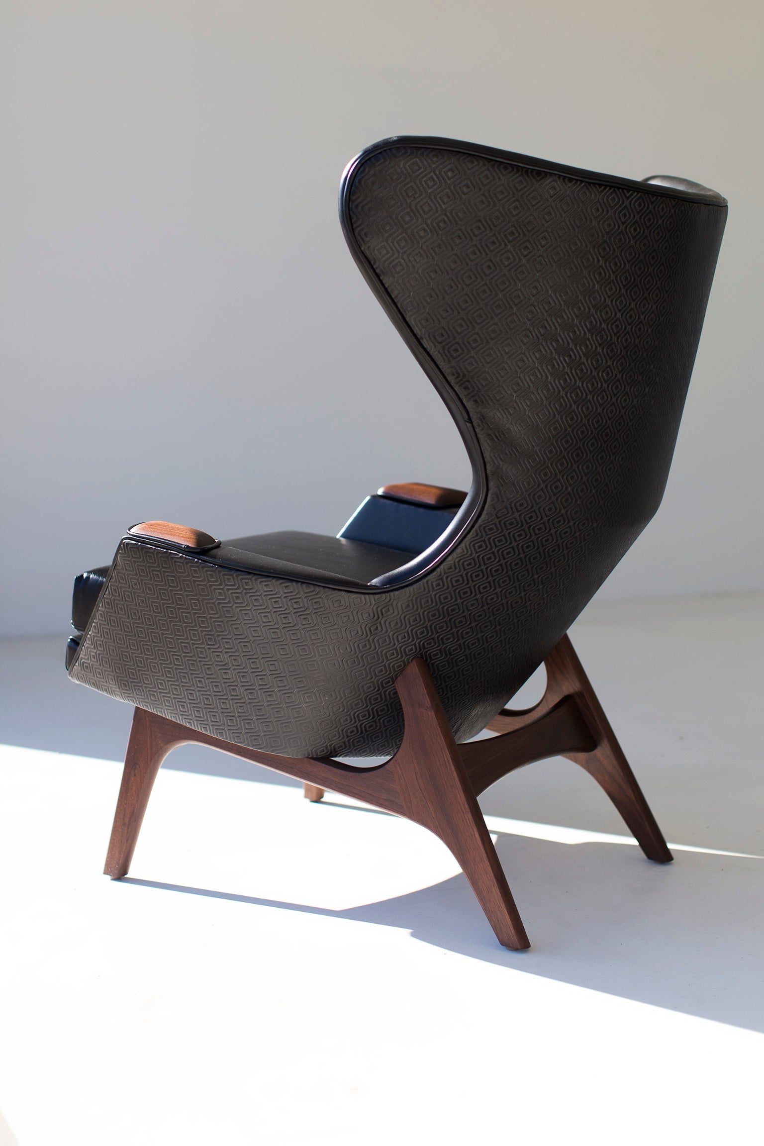 leather-wing-chair-05