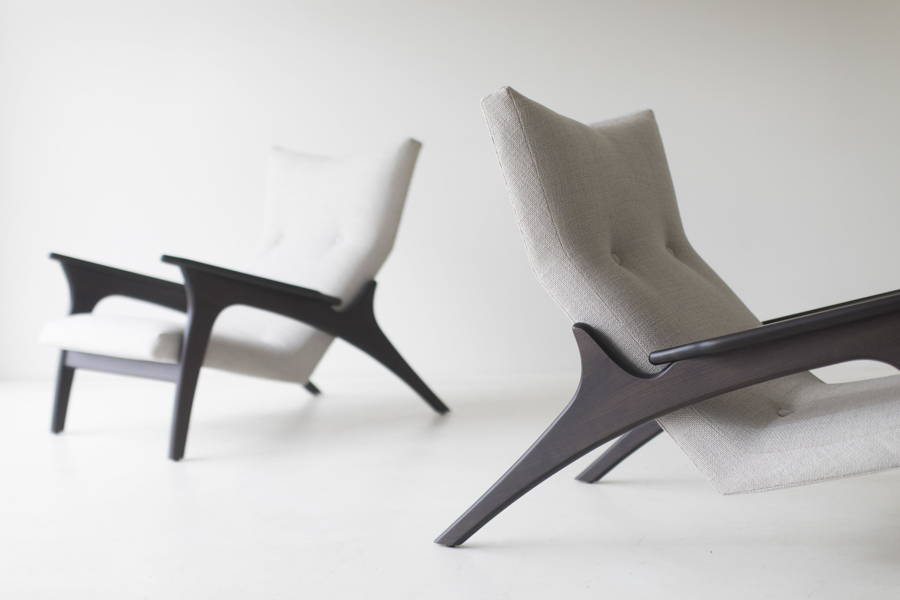 modern-armchairs-1521-the-frank-01