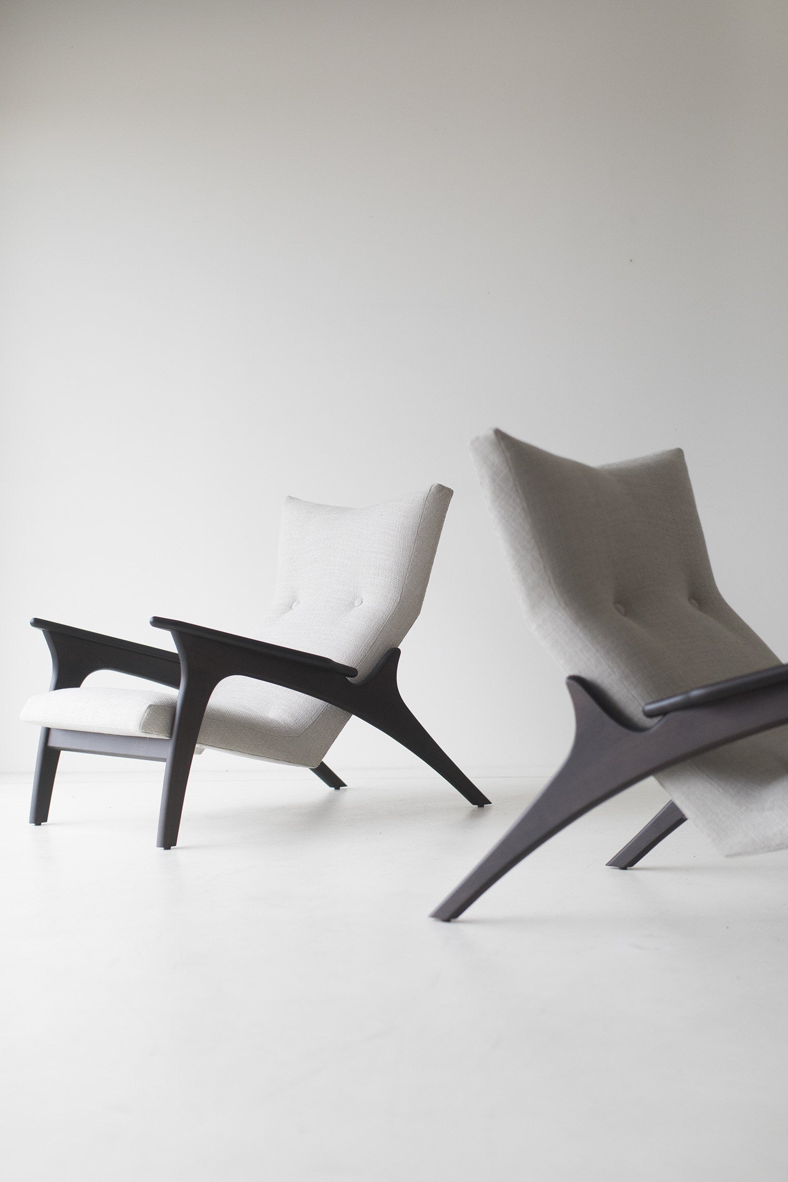 modern-armchairs-1521-the-frank-07