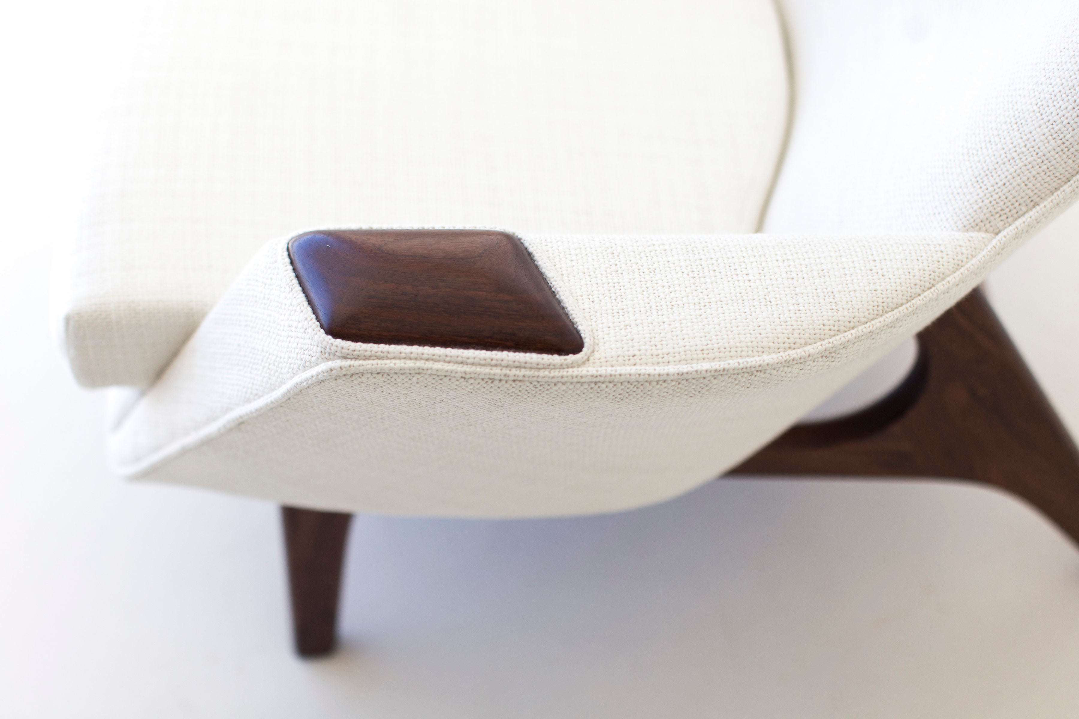 modern-white-arm-chair-05