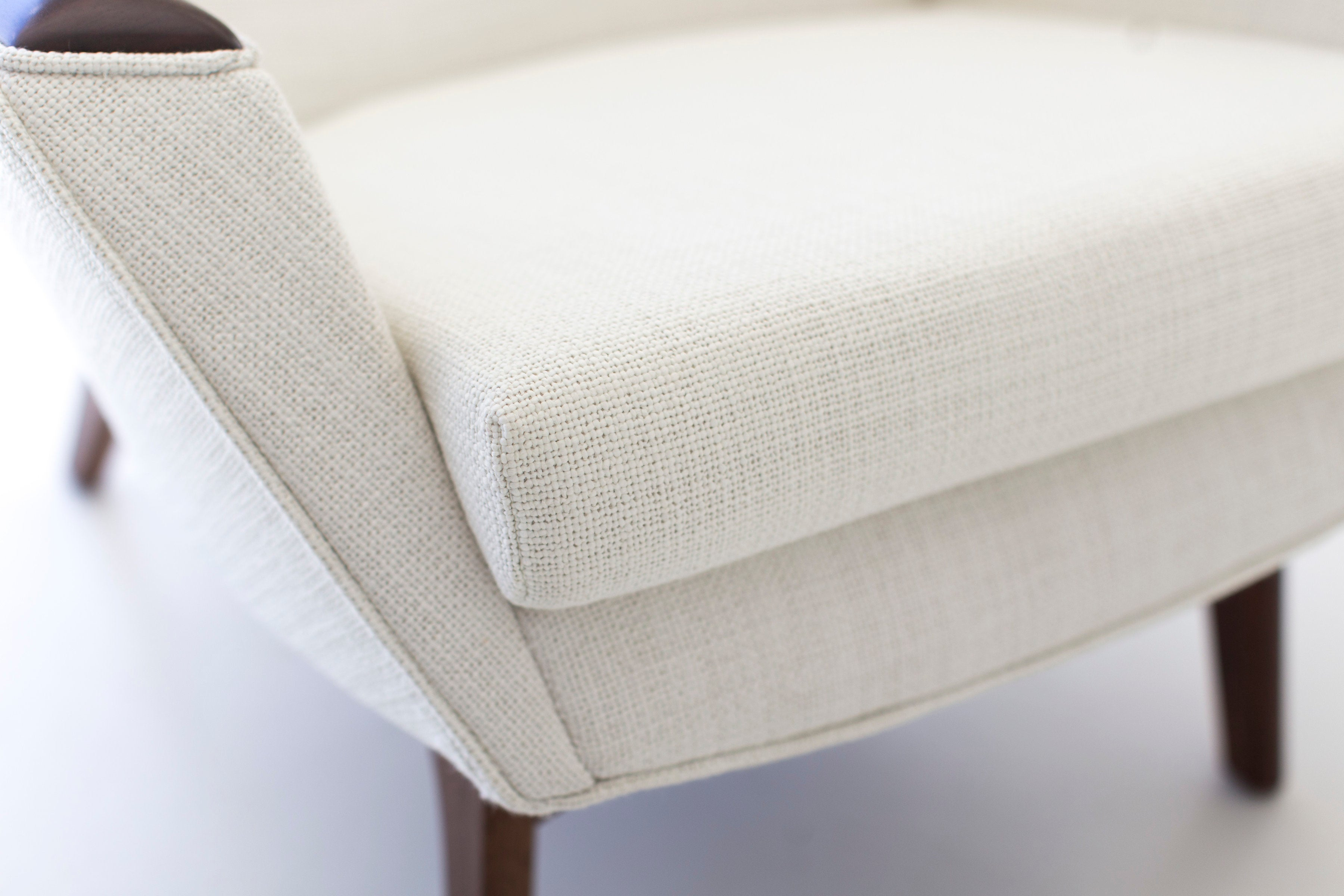modern-white-arm-chair-07