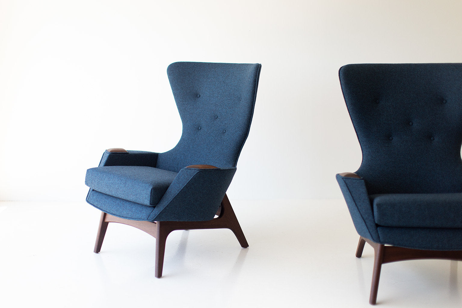 wing-chair-1410-02