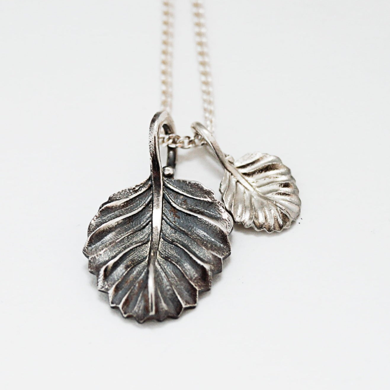 Leaf Necklace & Earrings Set (Christmas Edition)