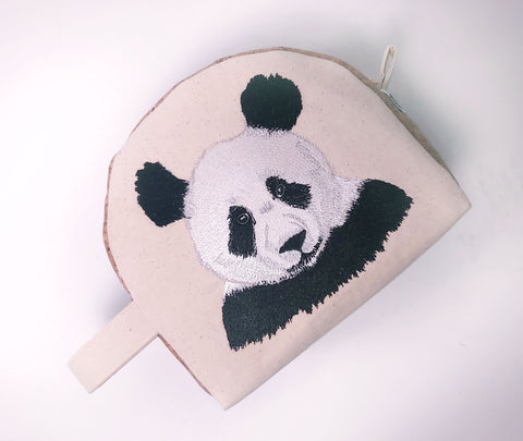 Panda 7x5 Embroidery Design (4.83in by 4.89in)