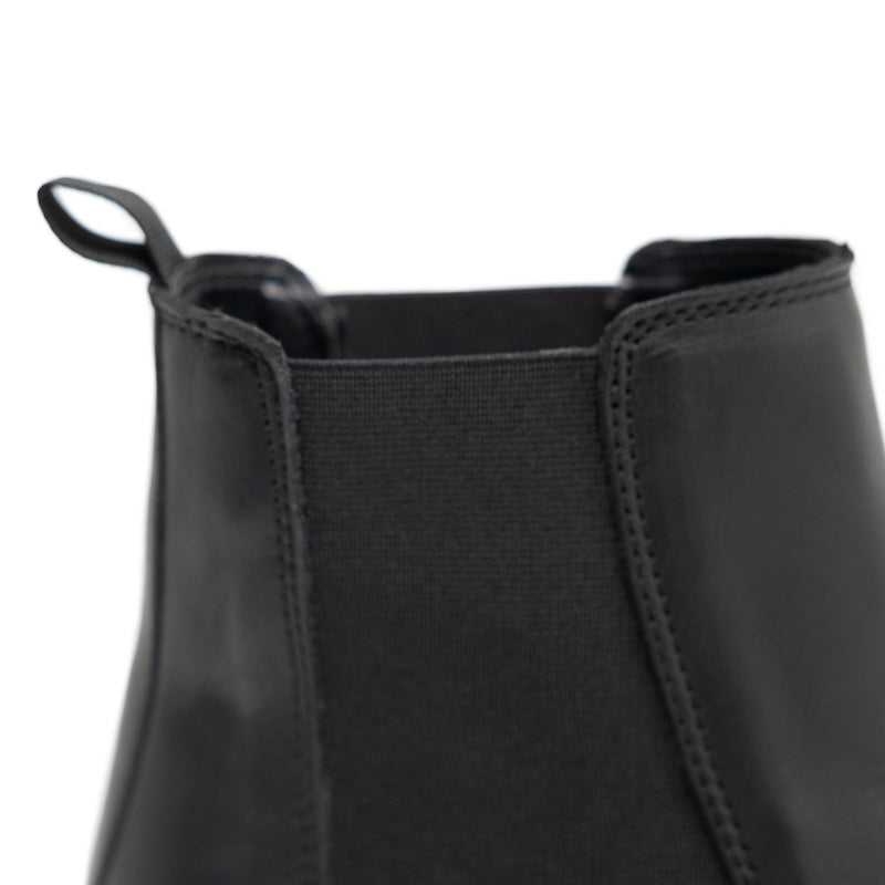 Walk London Darcy Chelsea Boot in Black Leather, Detail Shot Of Pull Tab