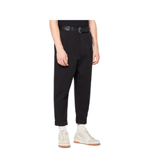 Load image into Gallery viewer, AMI Oversized Carrot Fit Pants Black