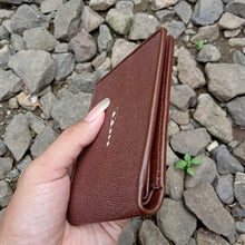 Load image into Gallery viewer, Wallet for men made of stingray skin brown color