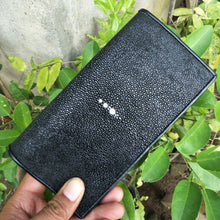Load image into Gallery viewer, Wallet made of stingray skin long wallet black color