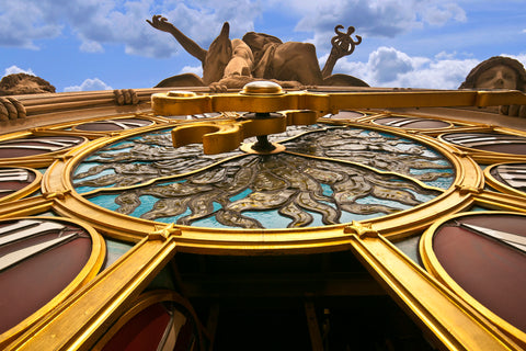 The Mercury Clock inside Grand Central terminal in Manhattan, New York, is the largest piece of Tiffany glass in the world.
