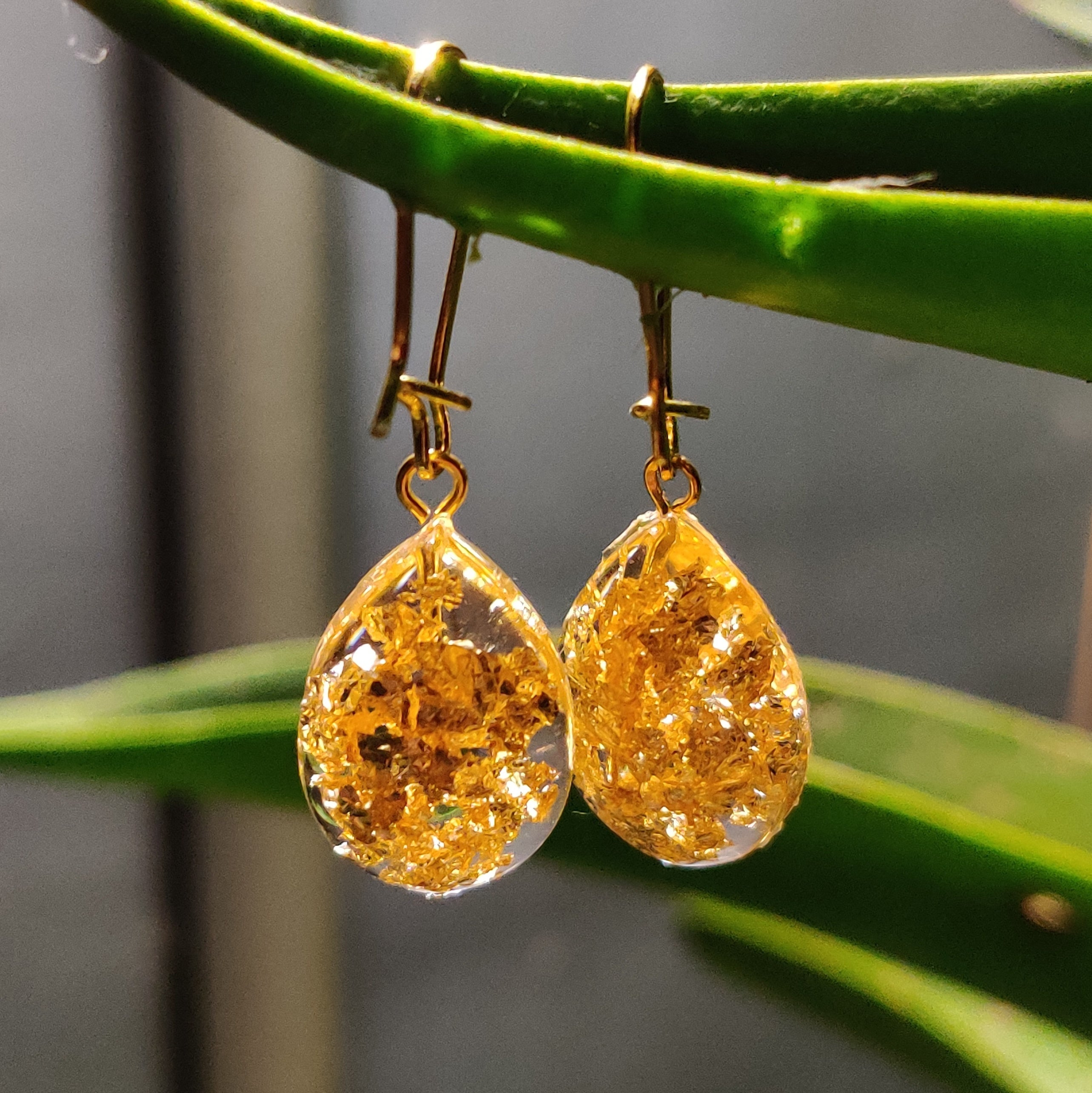 Golden Dew Drops