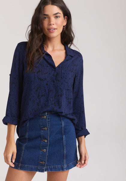 BELLA DAHL- LONG SLEEVE SHIRT TAIL BUTTON DOWN