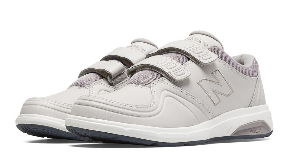 NEW BALANCE- Women's Hook and Loop 813