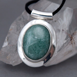 Green Aventurine Oval Omega Sterling Silver Pendant DP-010