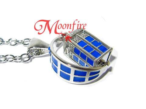 DOCTOR WHO Rotating TARDIS Necklace