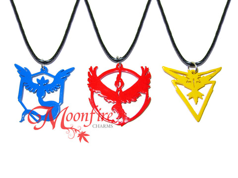 POKEMON GO Team Mystic/Valor/Instinct Color Logo Pendant Necklace