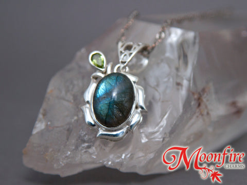 Labradorite Oval Floral Peridot Sterling Silver Pendant SP-008
